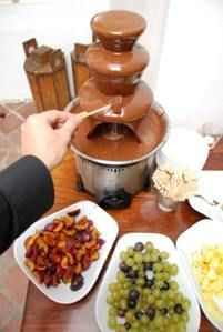 Chocolate Fountain Recipes Without Oil including milk chocolate, mocha chocolate, bittersweet, and regular chocolate chip Chocolate Fountain Recipes, Chocolate Fountains, Chocolate Recipes, Chocolate Party, Mocha Chocolate, Fondue Recipes, Dessert Recipes, Delicious Desserts, Dessert Ideas