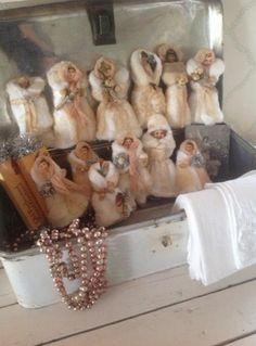 vaddfigurer Shabby Chic Christmas, Magical Christmas, Victorian Christmas, Beautiful Christmas, White Christmas, Christmas Crafts, Antique Christmas Decorations, Vintage Christmas Ornaments, Paper Dolls
