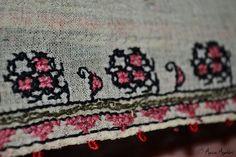 Romanian blouse detail. Adina Nanu collection. @ Comori etnografice Facebook page Folk Embroidery, Textiles, Costume, Facebook, Detail, Blouse, Blouses, Fancy Dress, Woman Shirt