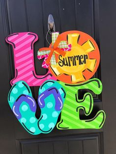 SUMMER Front Door Decoration - Love door hanger, summer door hanger, beach door hanger, beach door decor #FrontDoorDecor #Summer #DoorHanger