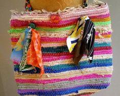 Rag rug bag colorful messenger bag large bohemian tote | Etsy T Shirt Yarn, T Shirt Diy, Handmade Gift Tags, Fabric Ribbon, Summer Bags, Personalized T Shirts, Large Bags, Shoulder Bag, Purses