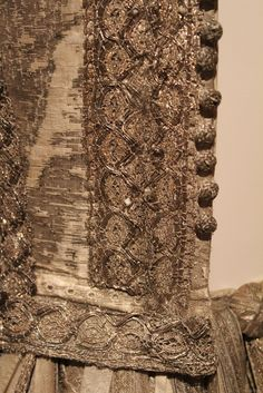 1665 silver tissue doublet and trunk hose, National Museum of Scotland