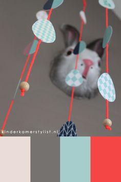 #inspiration kinderkamerstylist.nl Free download babymobile paasmobiel DIY. Easter mobile.
