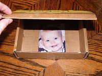 Peek-a-boo box for your infant! From The Stay-at-Home-Mom Survival Guide: Infant Activities. Games for babies Sensory Activities, Infant Activities, Learning Activities, Activities For Kids, Infant Games, Preschool Education, Toddler Play, Baby Play, Infant Play