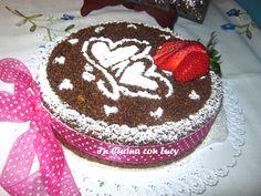 La sbriciolata integrale al cioccolato con crema alle mandorle e fragole è uno dei miei dolci preferiti.
