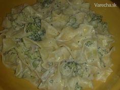 Cestoviny so syrovo-brokolicovou omáčkou (fotorecept) Cabbage, Chicken, Meat, Vegetables, Vegetable Recipes, Veggie Food, Cabbages, Collard Greens, Veggies