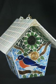 Bird House Stained Glass Mosaic Blue Bird, via Etsy. Stained Glass Crafts, Mosaic Crafts, Mosaic Projects, Stained Glass Patterns, Mosaic Patterns, Mosaic Tile Art, Mosaic Birds, Mosaic Glass, Bird Feeder Stands