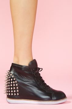 Today's So Shoe Me is the Edea Spike Sneaker by Jeffrey Campbell, $215, available at Nasty Gal. Sneakers, studs and spikes just feels so right.