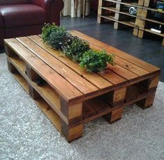 70 Suprising DIY Projects Mini Pallet Coffee Table Design Ideas 53 – Home Design Coffee Table Design, Diy Coffee Table, Diy Pallet Furniture, Diy Pallet Projects, Handmade Furniture, Pallet Ideas, Trendy Furniture, Wood Projects, Furniture Buyers