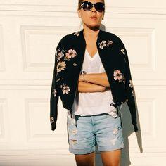 MomLikeThat Fall Fashion 2016, Autumn Fashion, Floral Bomber Jacket, Latest Fashion, Kimono Top, My Style, Jackets, Outfits, Tops