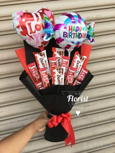 ✔️ Chocolate Bouquet Kitkat & Kinder Bueno Balloon