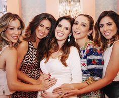 {As 4 tias babonas } Meninas que delícia de dia foi ontem muito bom estar com vocês  @helena_lunardelli @degebrimm @lalanoleto @nicolepinheiro  #thebosonthego #luizagoestobrasilia #chadebebedamariaantonia