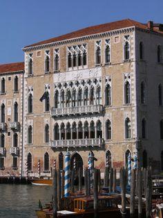 Cà Foscari from San Toma' - Ca' Foscari – Wikipedia, wolna encyklopedia Grand Canal, Verona, Old Town Italy, Italy Architecture, The Merchant Of Venice, Italy Pictures, Italy Honeymoon, Italy Painting, Italy Art
