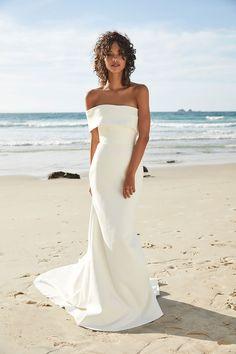 Modern Wedding Dresses for Fashion Focused Brides: 'Untamed Paradise' Chosen by One Day