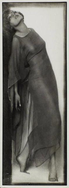 Trude Fleischmann, Katta Sterna (dancer) 1925 on ArtStack #trude-fleischmann #art