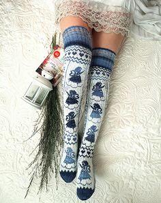 com - women trends Crochet Socks, Knitted Slippers, Wool Socks, Knitting Socks, Hand Knitting, Knitting Patterns, Bed Socks, Knit Stockings, Knitting Accessories