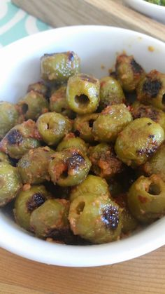 Fire roasted olives-Oh man I love this recipe! And you guys are going to too! First, it's the easiest thing ever! Second, it's the yummiest snack, salad topping, or Bruschetta Bar accompaniment. Finger Food Appetizers, Yummy Appetizers, Yummy Snacks, Appetizer Recipes, Keto Recipes, Healthy Snacks, Cooking Recipes, Yummy Food, Healthy Recipes