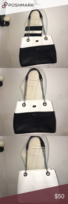 Beautiful Guess Purse with matching wallet Beautiful Guess Purse with  matching wallet 01b11b6e7fbab