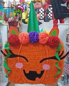 Pinata Halloween, Pumpkin, Christmas Ornaments, Holiday Decor, Party, Halloween Pumpkins, Halloween Stuff, Papel Picado, Pumpkins