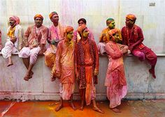 Image: Festival of Colours (© REUTERS/Ahmad Masood)