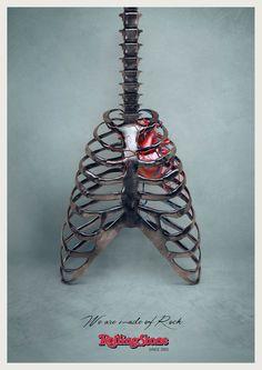 """雑誌ローリング・ストーンのブランド広告 """"We are made of rock.""""音楽雑誌ローリング・ストーンがイタリアで実施したプリント広告をご紹介。  同誌の世界観を訴え、ブランディングを意図して制作されたクリエイティブがこちらです。   人間の背骨と胸骨をロックギターに見立てるというビジュアル。胸骨の向かって右側には真っ赤な心臓と動脈、静脈もありますね。  コピーは、""""We are made of rock.""""(私たちはロックでできています)。  ビジュアルとコピーが見事にマッチした印象深いプリント広告"""
