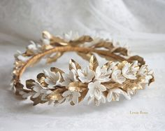 Roses buds headpiece. Gold bridal headpiece. por LenaRomHeadpieces
