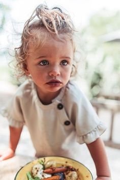 Discover the new ZARA collection online. The latest trends for Woman, Man, Kids and next season's ad campaigns. Little Kid Fashion, Toddler Fashion, Kids Fashion, Baby Kind, My Baby Girl, Zara, Street Style Jeans, Cute Kids, Cute Babies