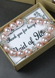 From the previous pinner: Bridesmaid bracelet - Bridesmaid Jewelry -Wedding Party -Wedding Jewelry - Blush pink wedding Gift -monogrammed gifts -pearl-Bridesmaid Gif Gifts For Wedding Party, Party Gifts, Diy Wedding, Dream Wedding, Diy Gifts, Wedding Vintage, Trendy Wedding, Wedding Favors, Wedding Bouquets