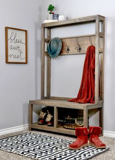 This DIY Hall Tree Bench is the perfect addition for your entryway. Check out the building plans and tutorial on how to build your own Entryway Hall Tree bench. This modern farmhouse hall tree is one you don't wanna miss. Entryway Hall Tree Bench, Entryway Pallet Ideas, Entrance Hall, Entryway Decor, Diy Pallet, Farmhouse Hall Trees, Modern Farmhouse, Farmhouse Bench, Farmhouse Ideas