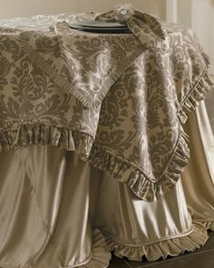 French Laundry Home Vintage French Damask Table Cloth, 90Dia ...