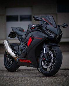 Honda Sport Bikes, Yamaha Motorcycles, Cars And Motorcycles, Futuristic Motorcycle, Motorcycle Bike, Sports Cars Lamborghini, Bike Photoshoot, Bike Pic, Bike Photography