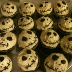 Jack from the nightmare before Xmas inspired cupcakes.chocolate cake mix,white butter creme icing,& black decorative icing.all Betty crocker.faces applied w tooth pics.yum:)