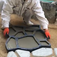 💥💥Path Floor Mould is a paving mold used to make a cement (or red mud) garden path. # DIY Home Decor videos Mintiml Path Floor Mould Backyard Projects, Outdoor Projects, Backyard Patio, Garden Projects, Backyard Landscaping, Diy Projects, Backyard Fireplace, Pavers Patio, Patio Stone