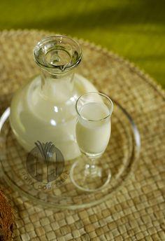 Pora coś zjeść - apetyczny blog kulinarny. Proste przepisy i piękne zdjęcia.: Likier kokosowy