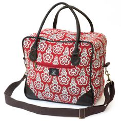 Square overnight bag Flowerclip, mint on brick Cloth Bags, Bag Making, Fabric Design, Diaper Bag, Cushions, Backpacks, Designer Bags, Pouches, Totes