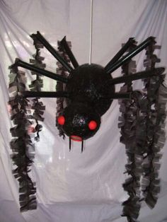 Halloween Piñata Spider! I think this is pretty cool! Great if you hate spiders lol!