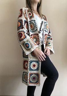 Gilet Crochet, Crochet Coat, Crochet Jacket, Knitted Poncho, Crochet Cardigan, Love Crochet, Vintage Crochet, Crochet Clothes, Cardigan Pattern