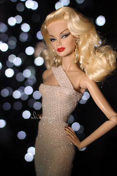 Beautiful Barbie Dolls, Vintage Barbie Dolls, Pretty Dolls, Barbie Gowns, Barbie Dress, Barbie Clothes, Fashion Royalty Dolls, Fashion Dolls, Fashion Show