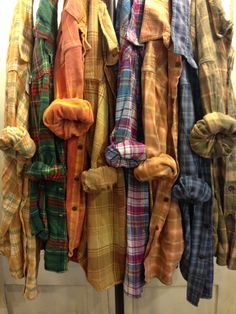 Farmstead Vintage Washed Flannel Shirts- Size Extra Large (C) Lined Flannel Shirt, Plaid Shirts, Flannels, Colourful Outfits, Colorful Fashion, Oversized Flannel Outfits, Flannel Outfits Summer, Summer Outfits, Vintage India