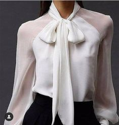 - Blouse - Camisa branca com transparência White shirt with transparency Business Outfits, Business Attire, Classy Outfits, Casual Outfits, Paris Chic, Elegantes Outfit, Mode Inspiration, Fashion Inspiration, Work Attire