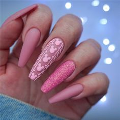 wedding makeup pink Nails trends change forever and new seasons bring new ideas. We have collected 24 newest fashionable and popular coffin nails ideas for you. It can bring new inspiration to your manicure. Disney Acrylic Nails, Pink Acrylic Nails, Pink Nails, Acrylic Art, Disney Nails Art, Blush Nails, Glitter Nails, Stylish Nails, Trendy Nails