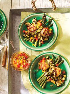 Recette de pétoncles et légumes grillés avec salsa de mangue et de fruit de la passion | Ricardo
