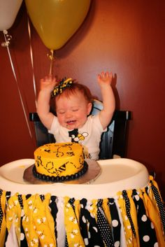 First Birthday Bumble Bee Theme: Smash Cake