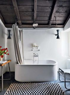 We can't get enough of this rustic/retro #bathroom