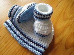 Baby Boys Booties and Hat Crochet Pattern by Littlewhiteduck, $4.80