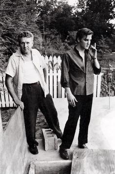 Elvis Presley  and his father #SalsaSuperFather