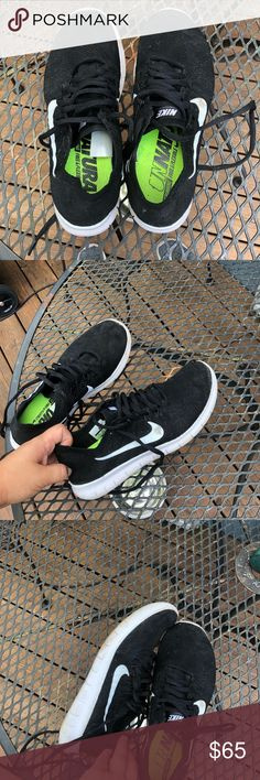 6f25aae77ab Nike flynit women s shoes Size 8 Nike black flynit shoes. Only worn about 3-
