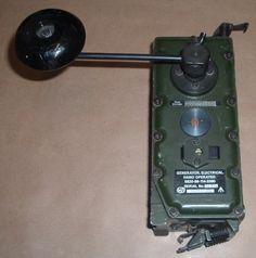 1143390 - CLANSMAN RADIO HAND CRANK CHARGER - image 1