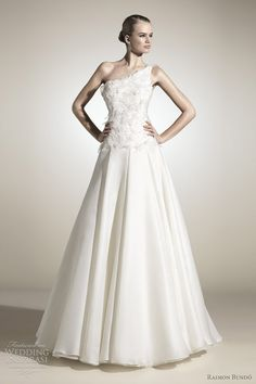 Raimon Bundó Wedding Dresses 2012 | Wedding Inspirasi