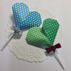 오늘은 막대사탕을 종이접기로 포장하는 방법을 올려요~ 하트 안에 있는 막대사탕 입니다. 예전에 올렸던 ...